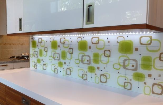 stampa na staklu dekoracija prostora